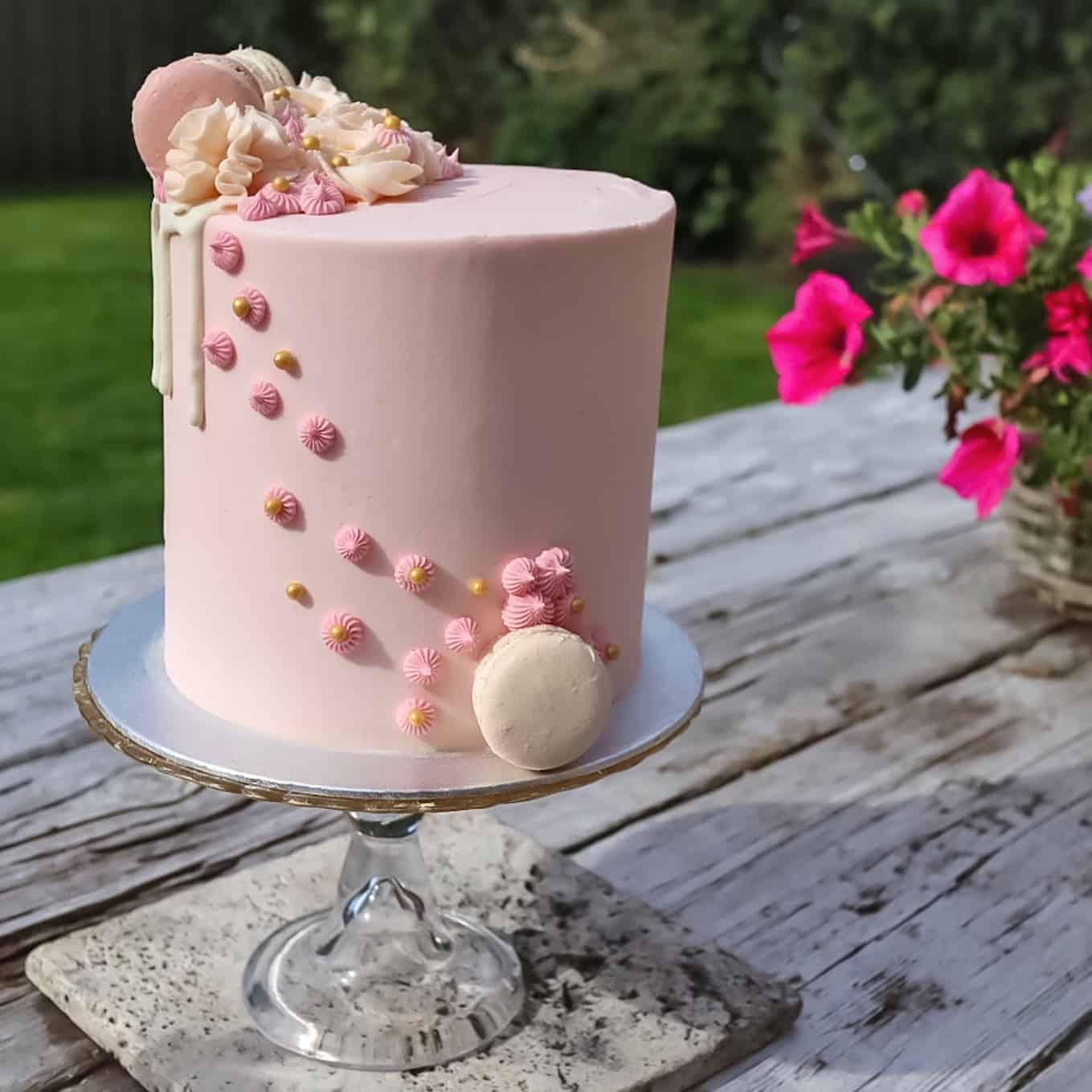 Tiffany 8″ Cake Gallery Image