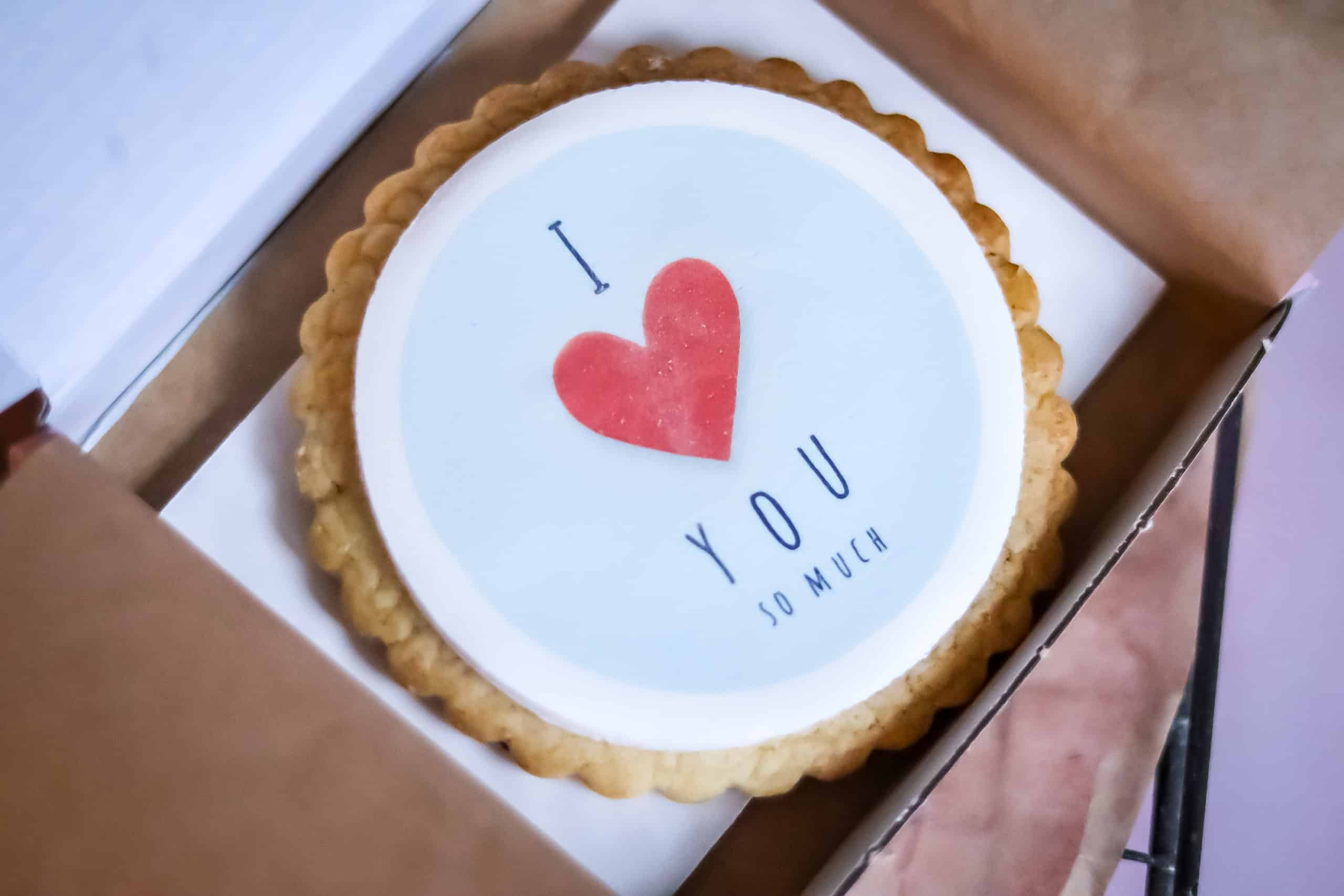 Valentines Gift Biscuits – Large Individual Biscuit