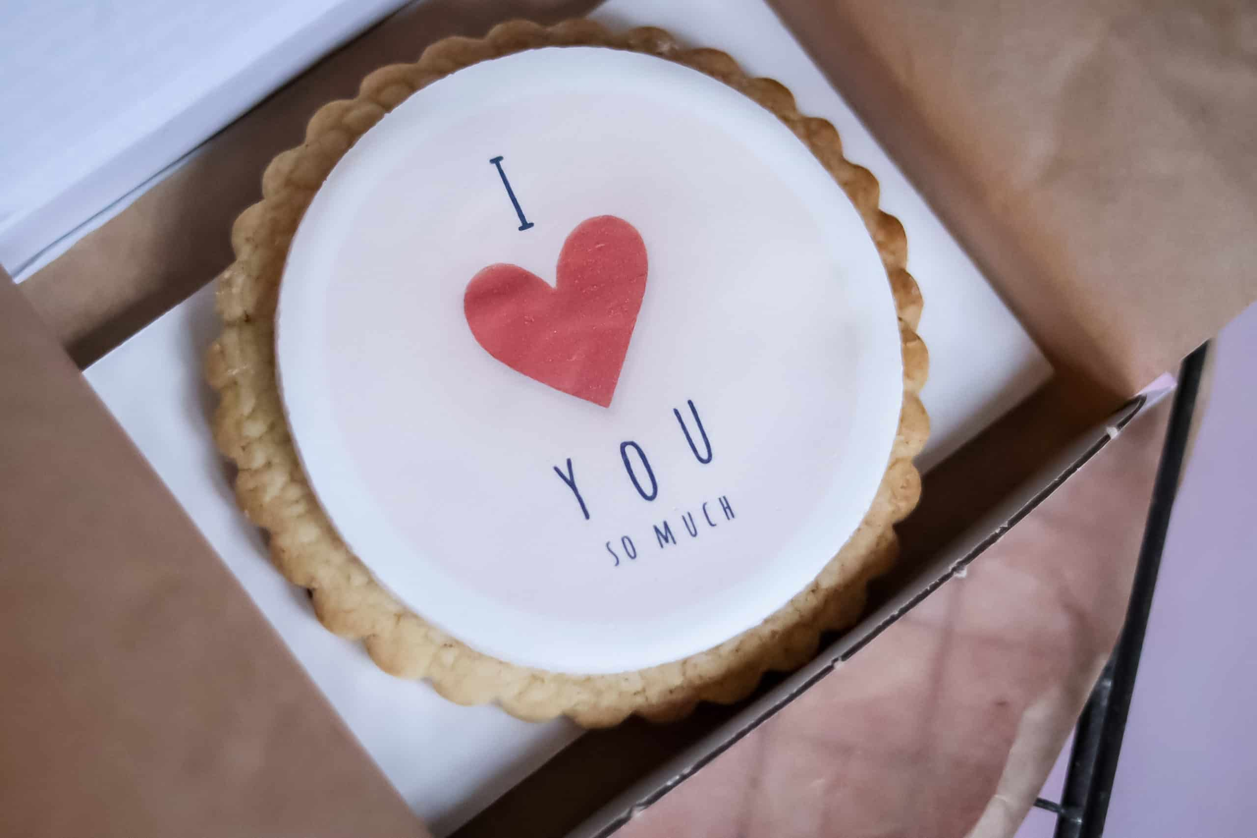 Valentines Gift Biscuits – Large Individual Biscuit Gallery Image